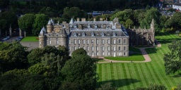 EDI-palace-of-holyroodhouse-une-residence-royale-2_1-1024x512.jpg